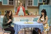 SNL photos 4/7, 4/14; Sofia Vegara, Kristen Wiig, Abby Elliott, Nasim Pedrad, Vanessa Bayer, Kate McKinnon